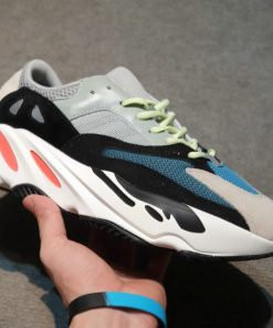 Yeezy 700 OG Wave Runner
