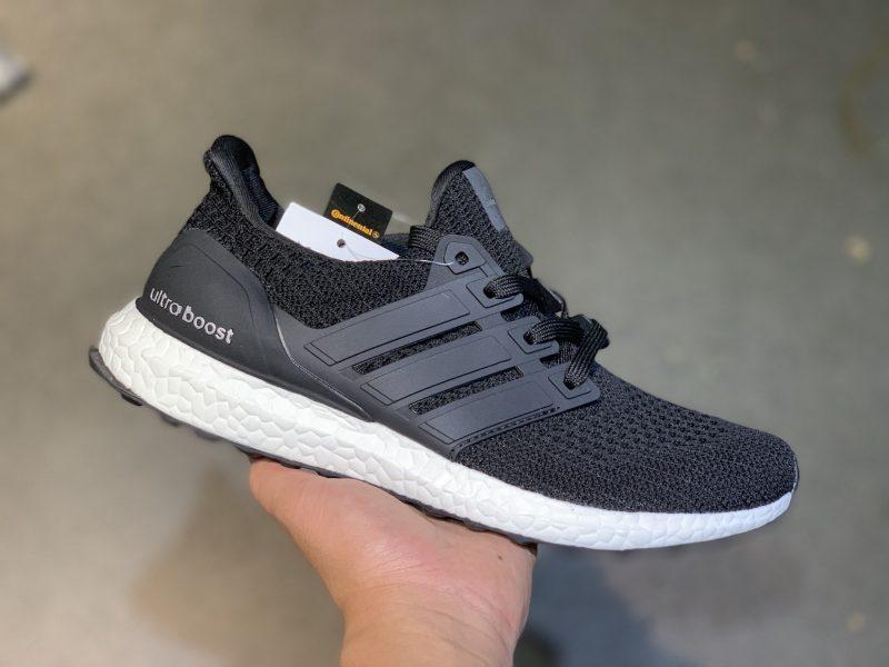 Ultraboost 4.0 Triple Black V2 : Sneakers