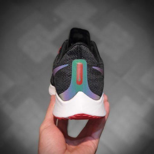 giay Nike Air Zoom Pegasus 36 mau den cau vong