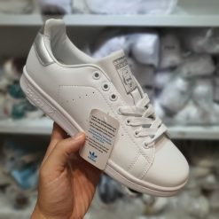 Giay Adidas Stan Smith gia re ha noi mau bac