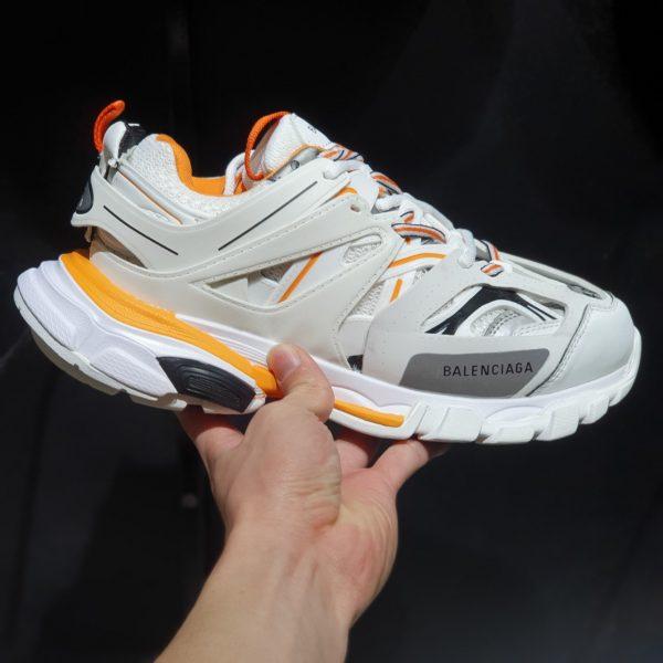 chinarsi Dottore in Filosofia Sessione plenaria  Giày balenciaga track 3.0 rep - Đôi giày dành cho người khác biệt ...