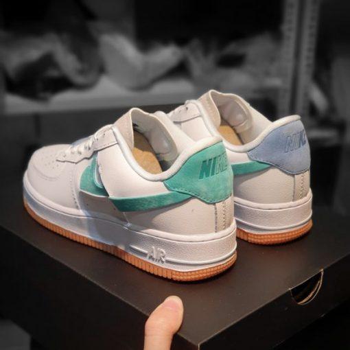 Giay Nike Air Force 1 LX vandalized xanh tim