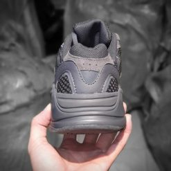 giay Adidas Yeezy Boost 700 V2 Vanta den full