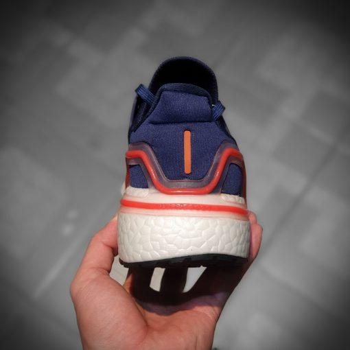 giay Adidas Ultra Boost 2020 mau xanh
