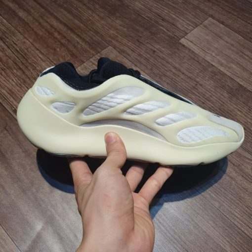 Giay Adidas Yeezy 700 V3 Azael replica gia re ha noi