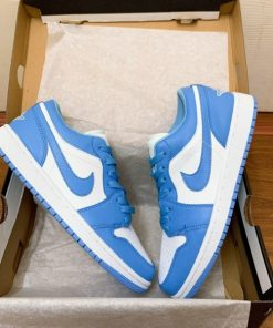 "giay Nike SB Air Jordan 1 Low "" UNC"" gia re ha noi"