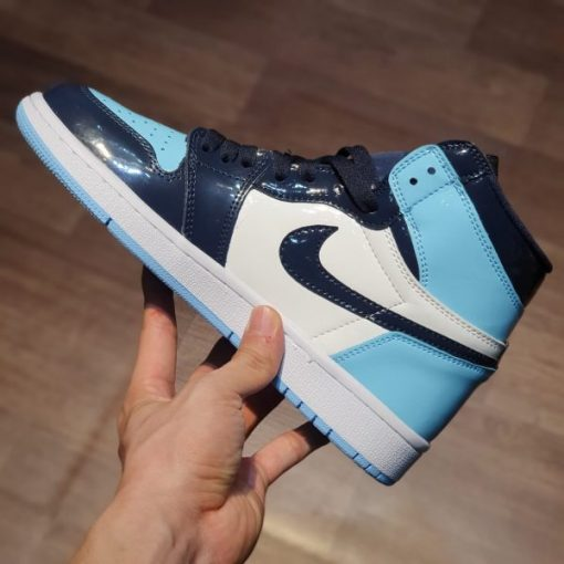 Giay Nike Air Jordan 1 Retro High OG UNC Patent