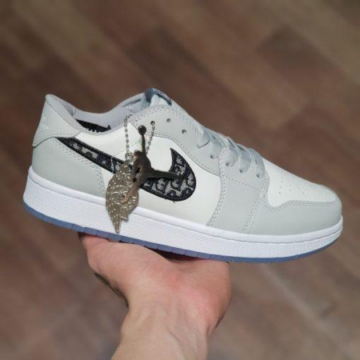 Giay Nike Air Jordan 1 X Dior co thap