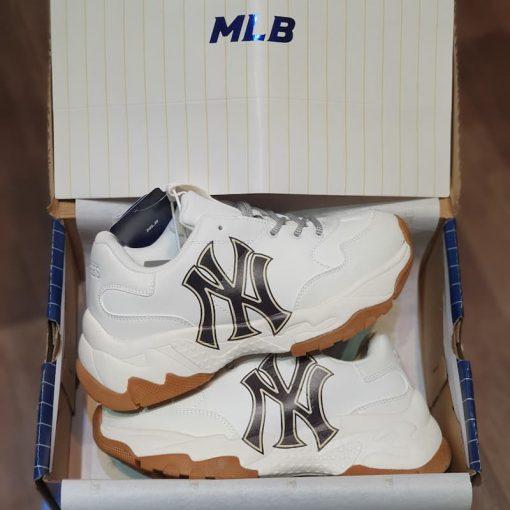 Giay MLB Bigball Chunky Embo New York Yankees 32SHC6011-50 rep 11 gia re ha noi